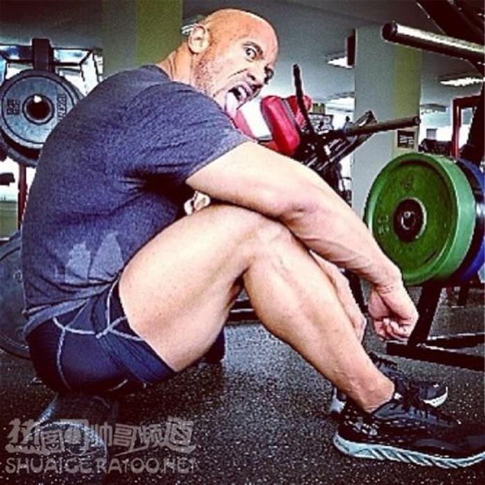 吸金力最强的欧美男星巨石强森青筋暴起肌肉图片