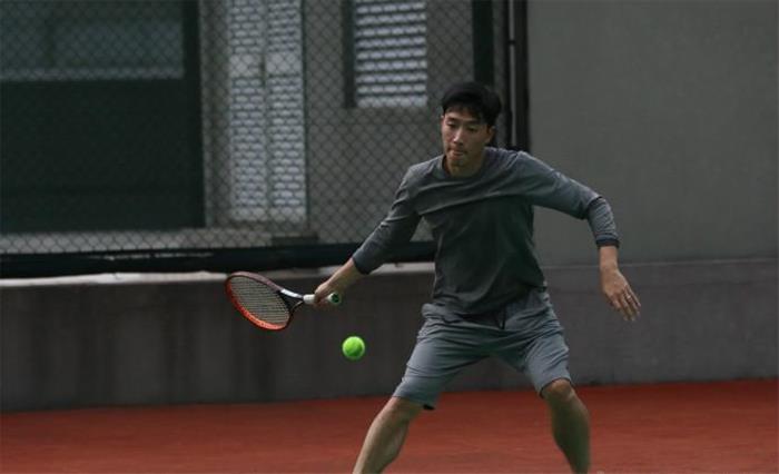 刘翔学习打网球 吴莎:教会徒弟 饿死师傅