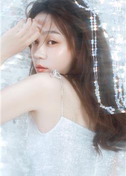 白皙梦幻美女迷人清纯氧气好身材写真图片
