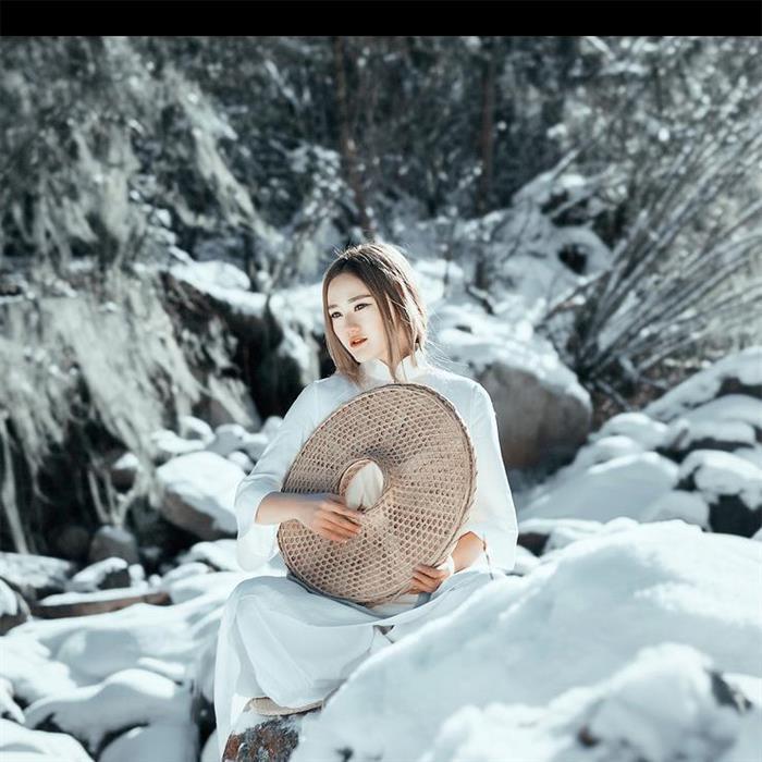 古装美女山涧雪景写真 不染世俗的美