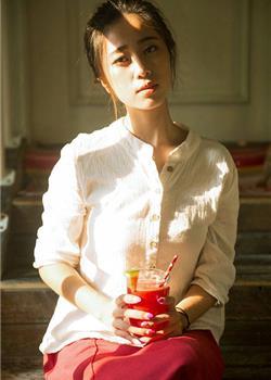 爱读书的文艺女青年素雅装扮气质优雅私房照套图
