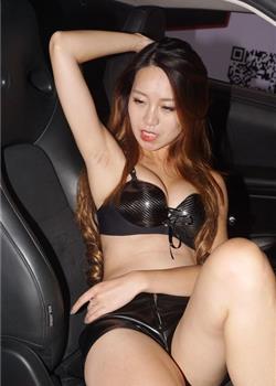 车展车模着比基尼秀美胸长腿 泳装美女性感比基尼豪放摆POSE梦幻香艳比基尼美女
