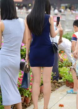 苏州旅游长发美女紧身包臀裙性感高跟鞋街拍图片