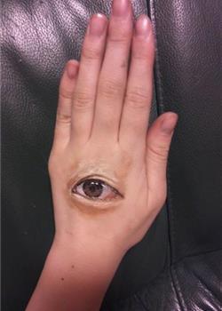 日本学生Chooo-San的超逼真3D人体彩绘