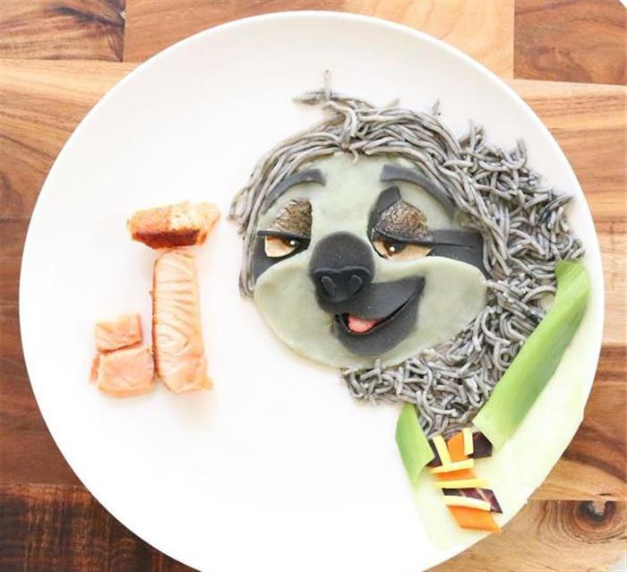老妈为了让儿子吃饭 在餐桌上重现经典动画