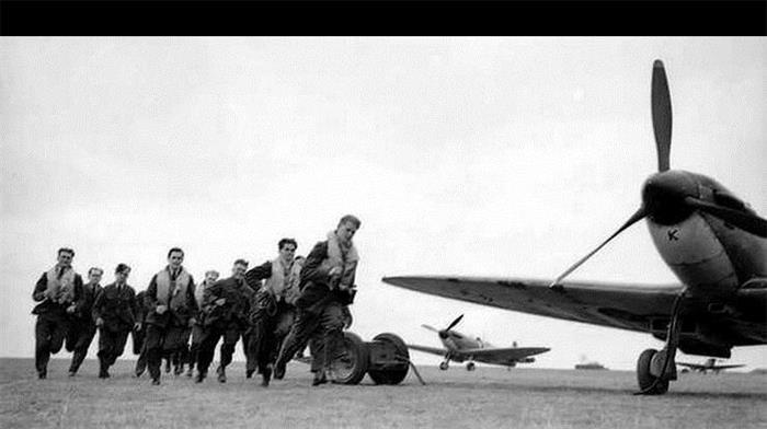 谈起敦刻尔克,我们更想致敬中国的伟大飞行员