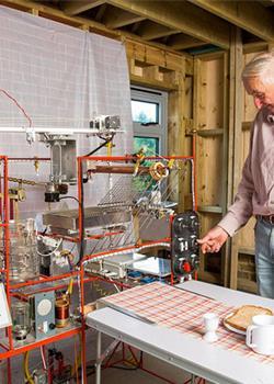 老人造全自动早餐神器 一个按钮搞定早餐