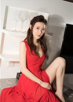 红裙mm时尚写真 随性优雅展轻熟魅力