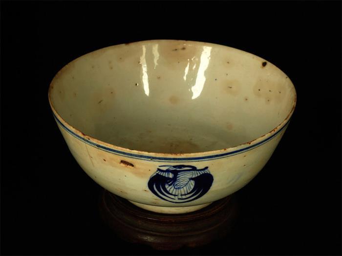 摄影图片 古老的两只老碗