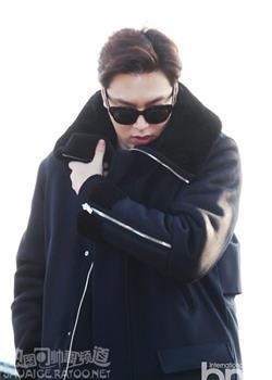 韩国男艺人李敏镐仁川国际机场街拍图片