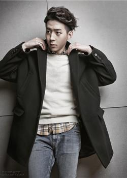 韩国男演员朴有焕时尚杂志封面写真大片