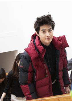 韩国男团EXO-K时尚杂志写真拍摄现场图片
