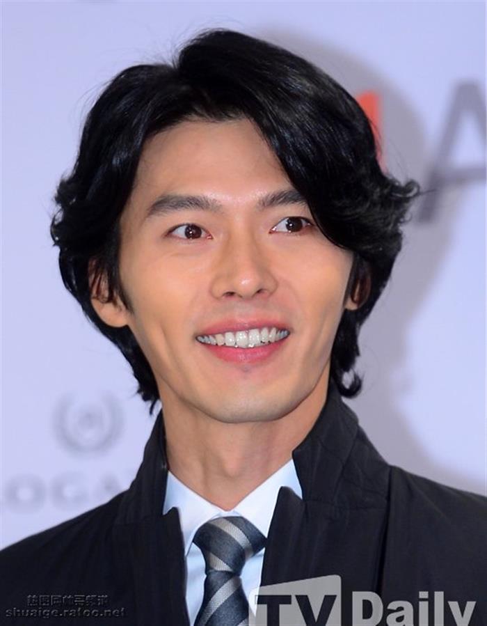 韩国男演员玄彬首尔粉丝签名会现场图片