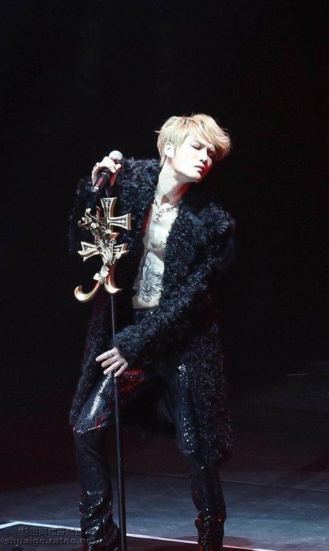 韩国帅哥金在中亚洲巡回演唱会南京站