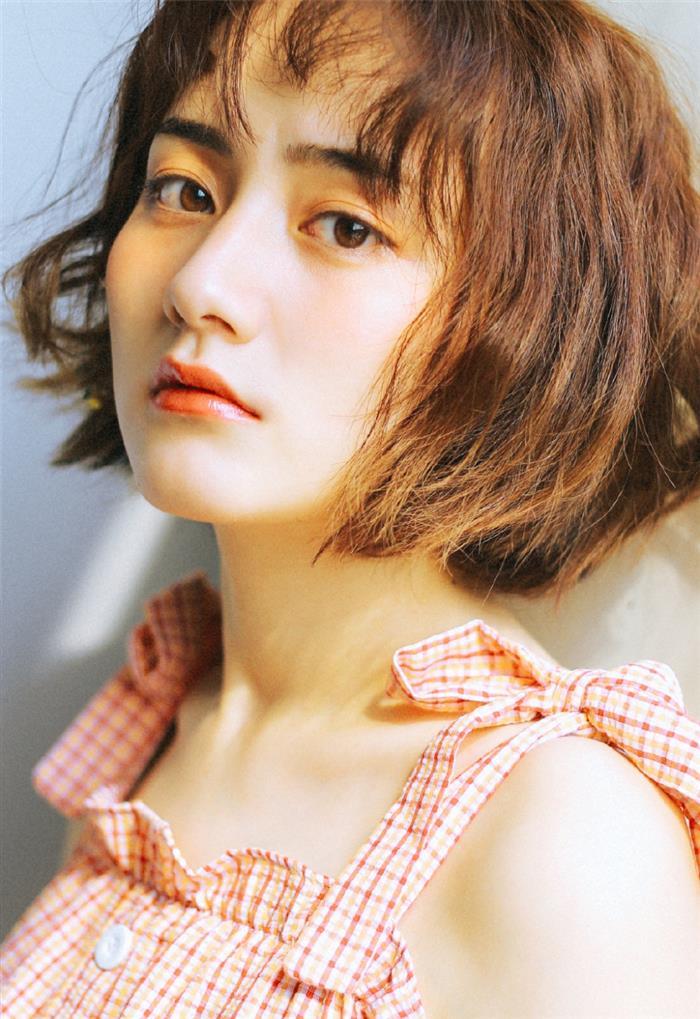 韩系少女夏日方格长裙写真