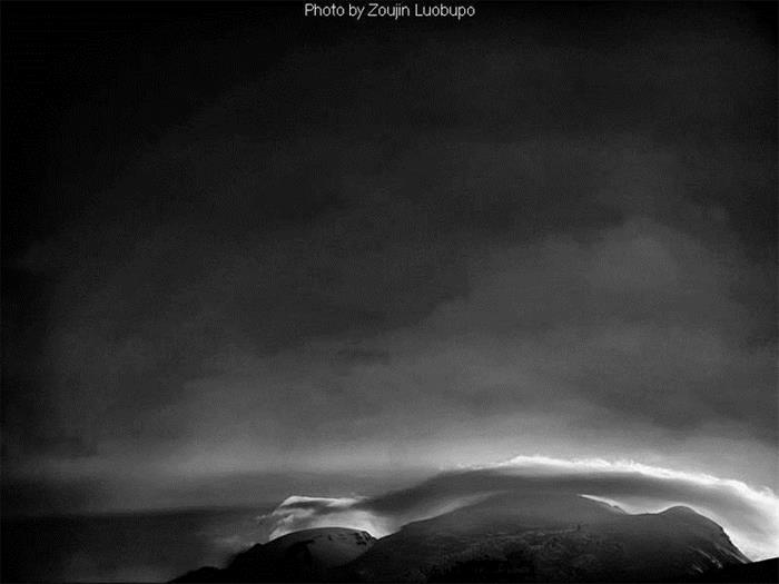 摄影图片新疆风光黑白风景