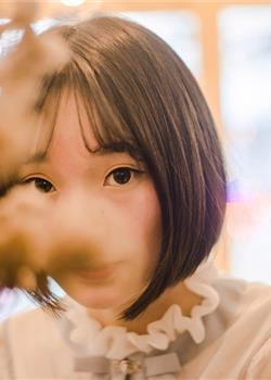 学院风青春美少女日系短发软萌乖巧室内个人写真