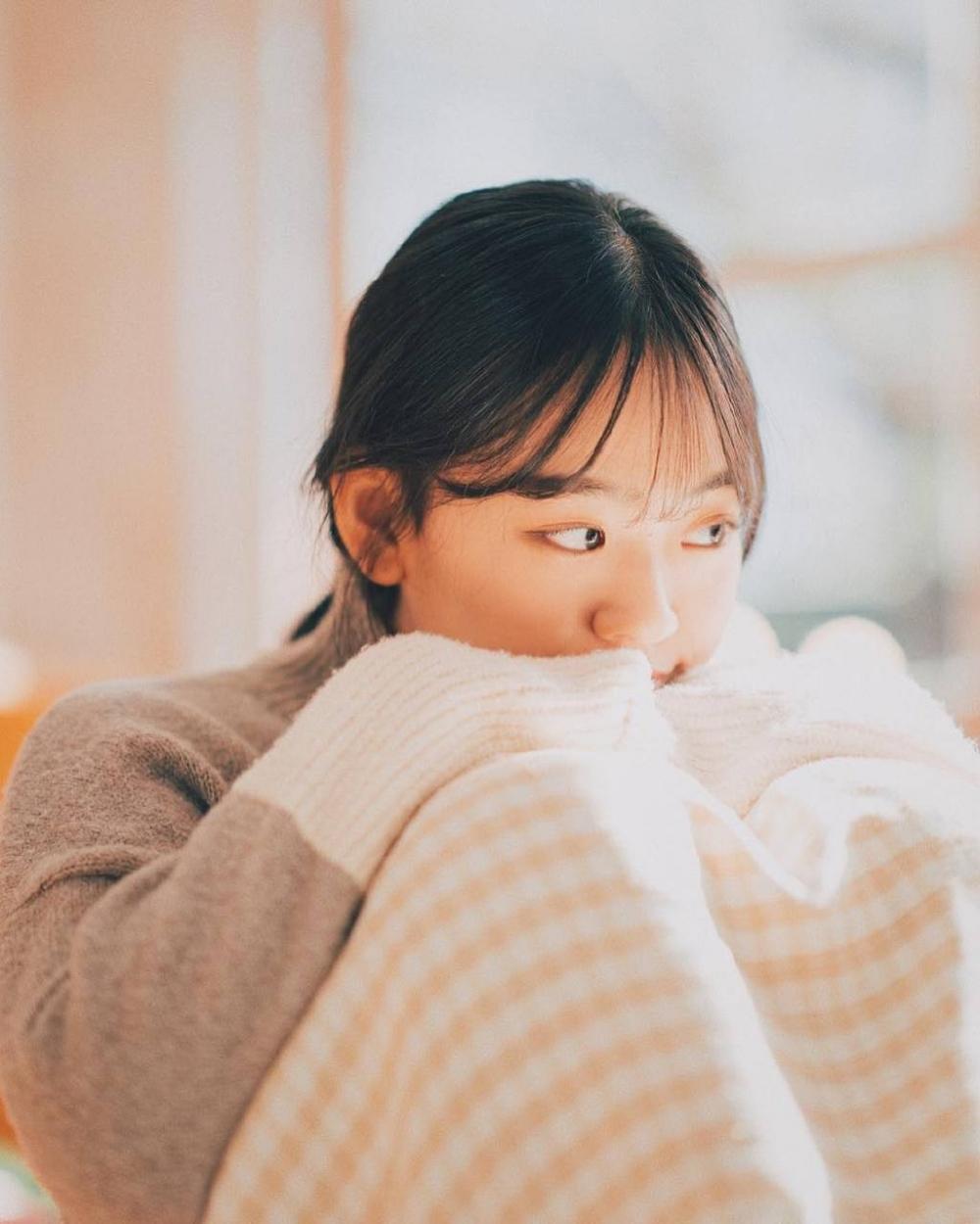 可爱嫩白美女萝莉空气刘海清澈杏眼个人艺术写真