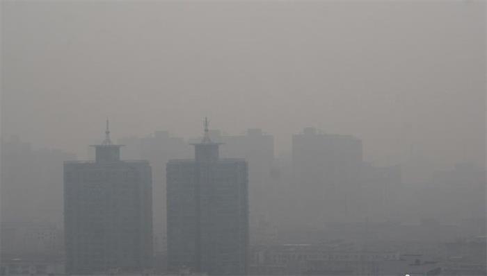 河南多地PM2.5爆表 霾影挥之不去